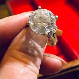 Jewelry - SOLITAIRE ❤️ ENGAGEMENT RING❤️